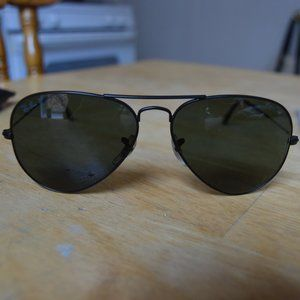 Ray Ban Aviators in Good Pre-owned Condition